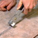 Как отрезать плитку